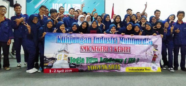 Kunjungan SMKN 3 Kediri Multimedia